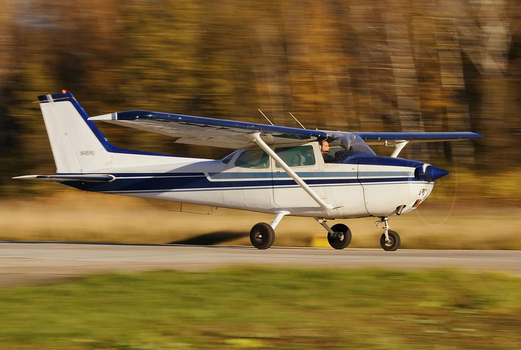 Самолёт Cessna 172